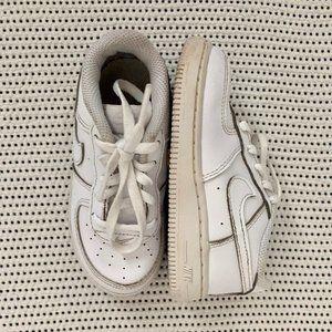 Nike Shoes | 9C
